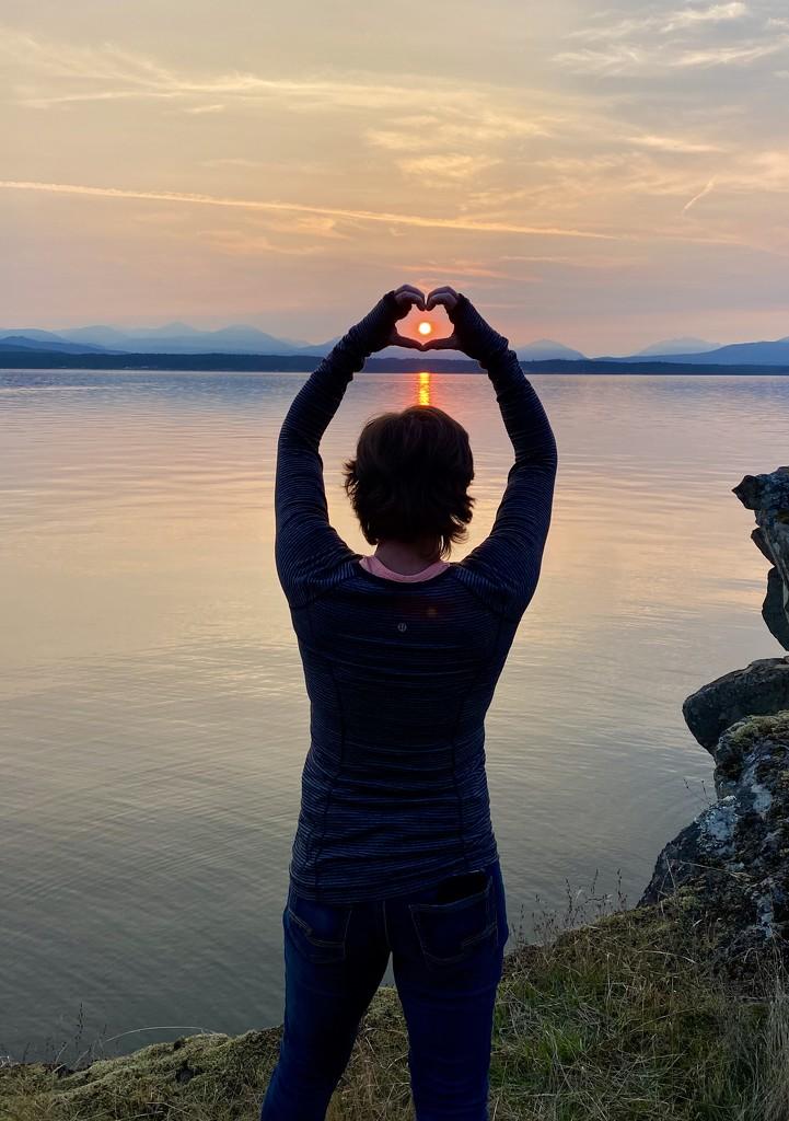Sunset Heart by kwind