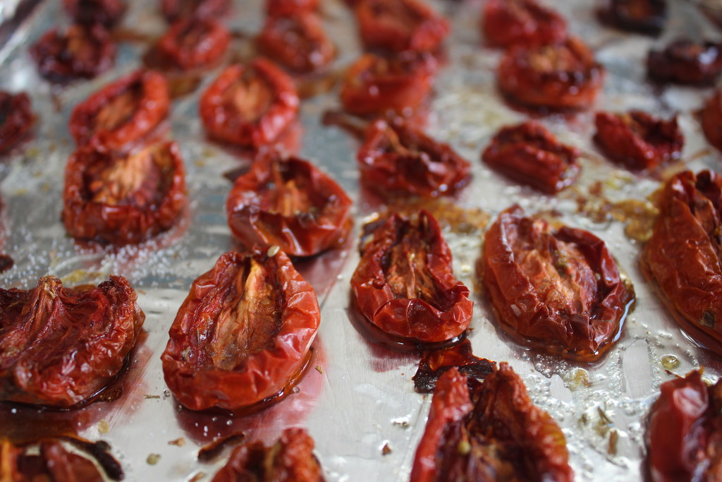 Sun dried tomatoes 🍅  by jb030958