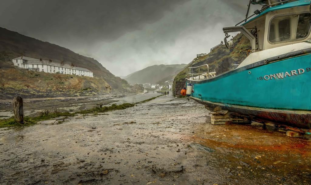 Boscastle in the Rain by shepherdmanswife