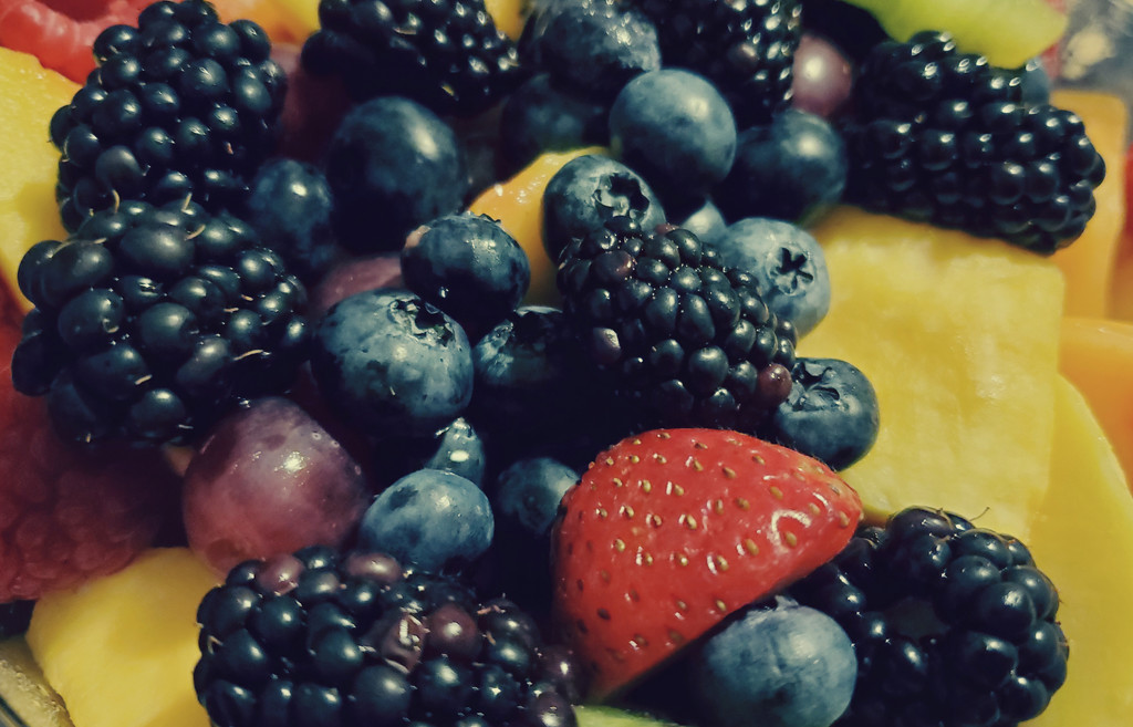 Berries by lllee0176