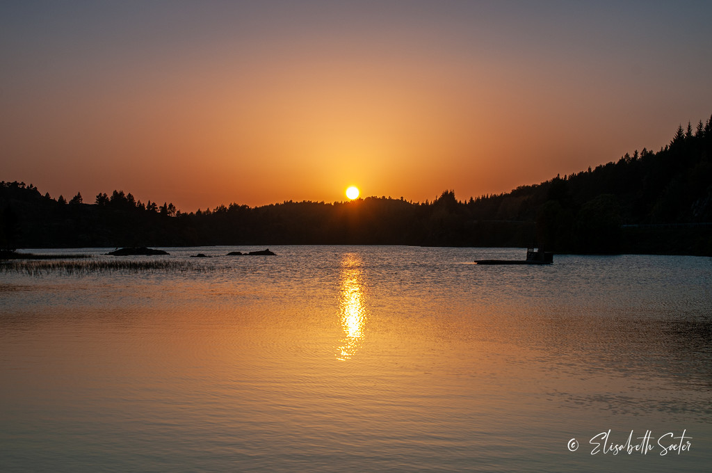 Sunset on Eidsvatnet Hitra by elisasaeter