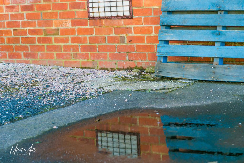 urban reflection by ulla