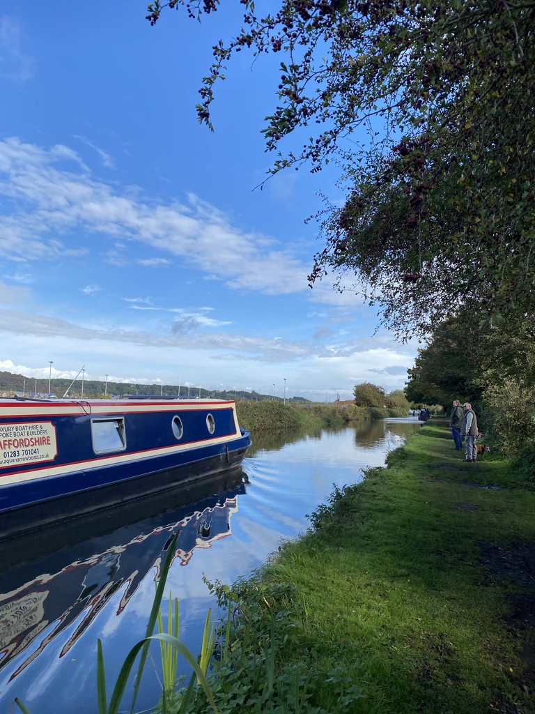 Trent and Mersey Canal by tinley23