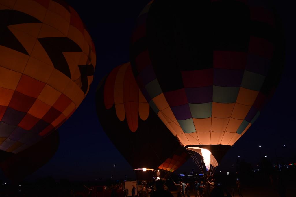 Balloon Glow by bigdad