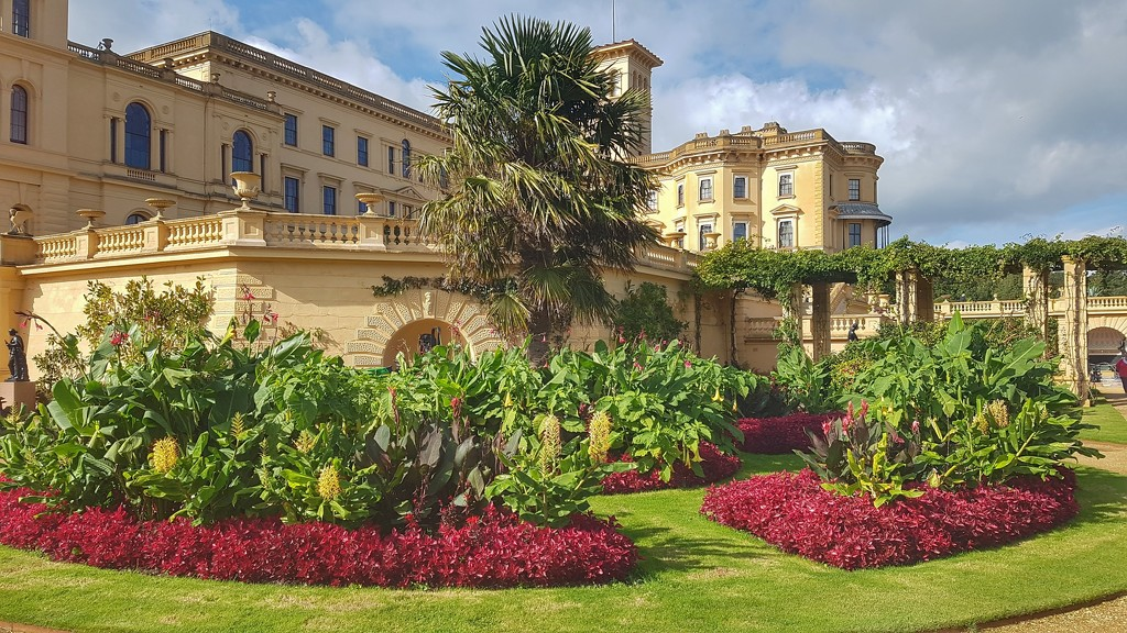 A visit to Osborne House on a lovely sunny day - lovely gardens to stroll around by lyndamcg
