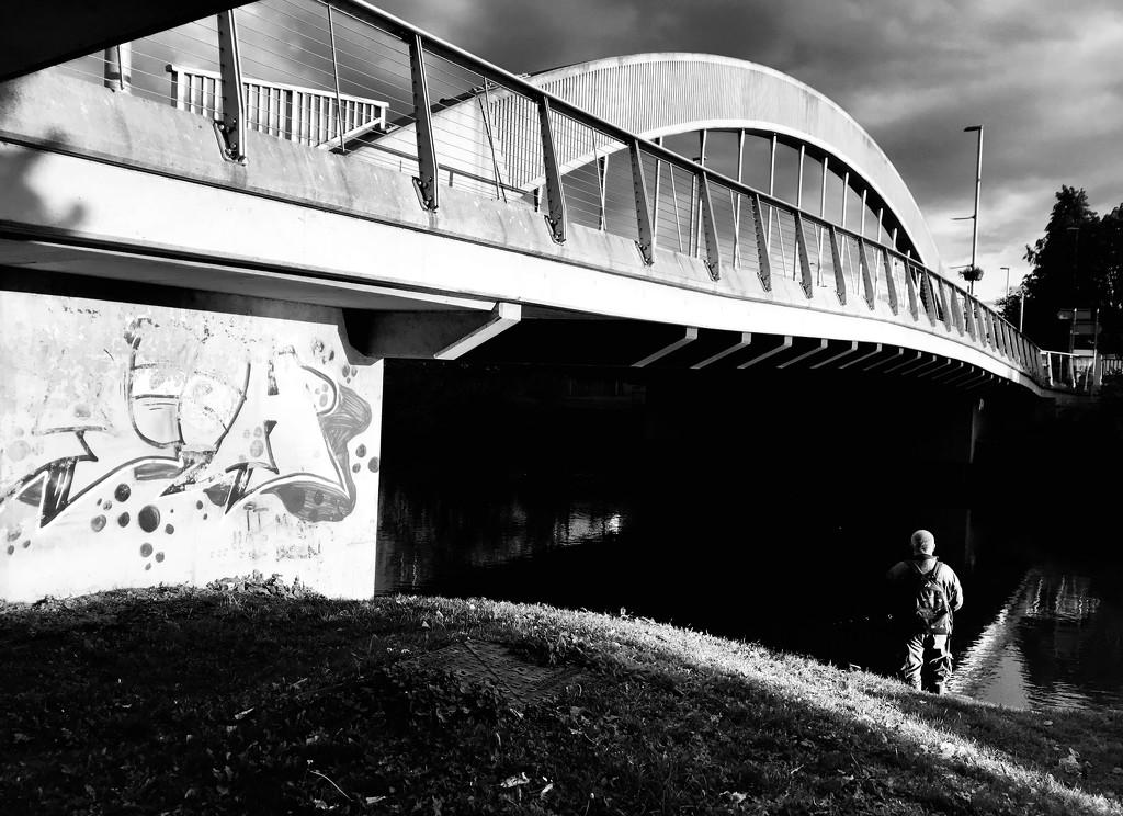 Fishing by the bridge by photopedlar