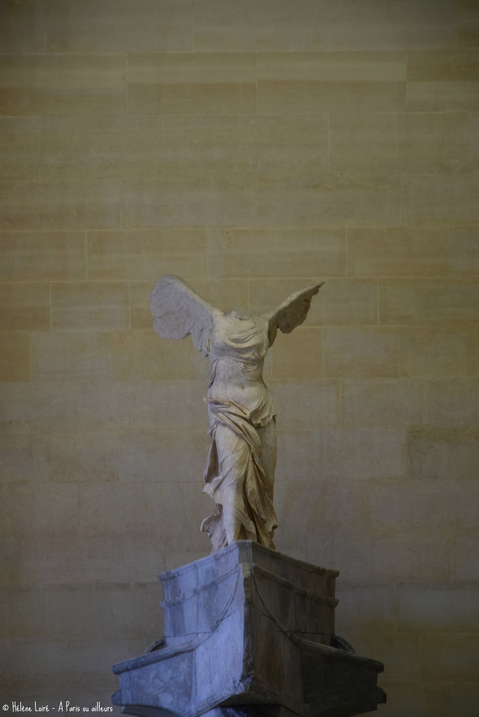 Winged Victory of Samothrace by parisouailleurs
