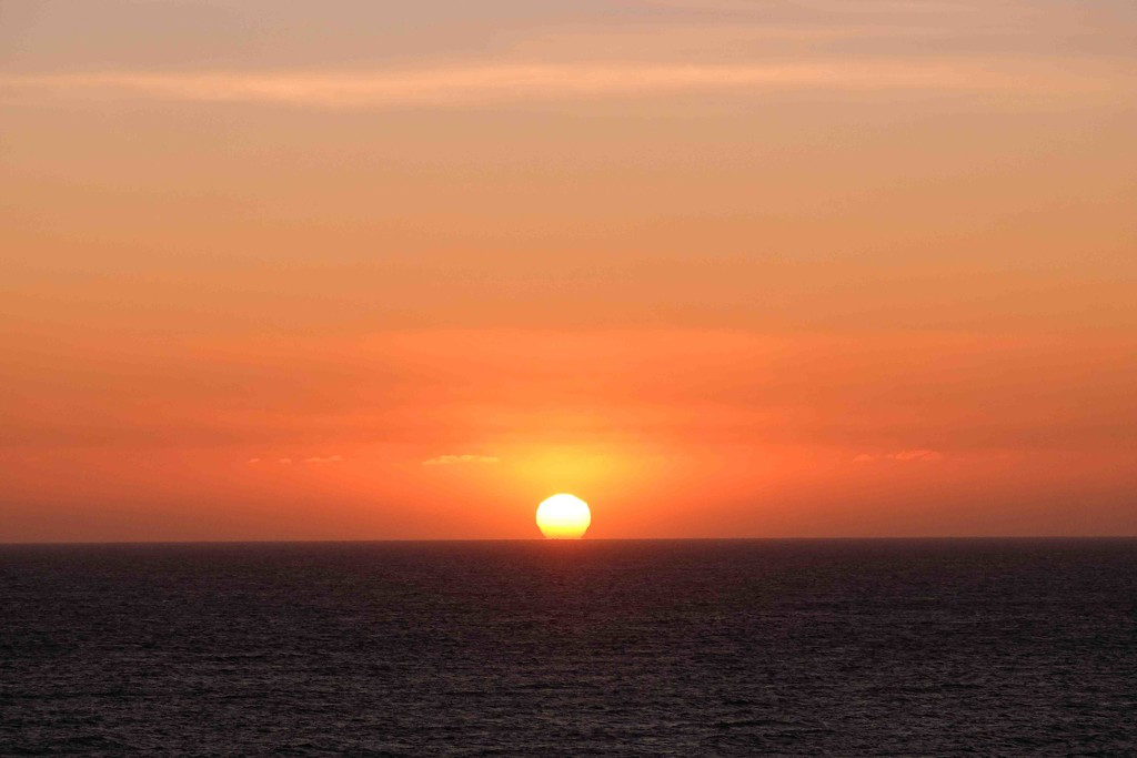 Moeraki sunrise by maureenpp