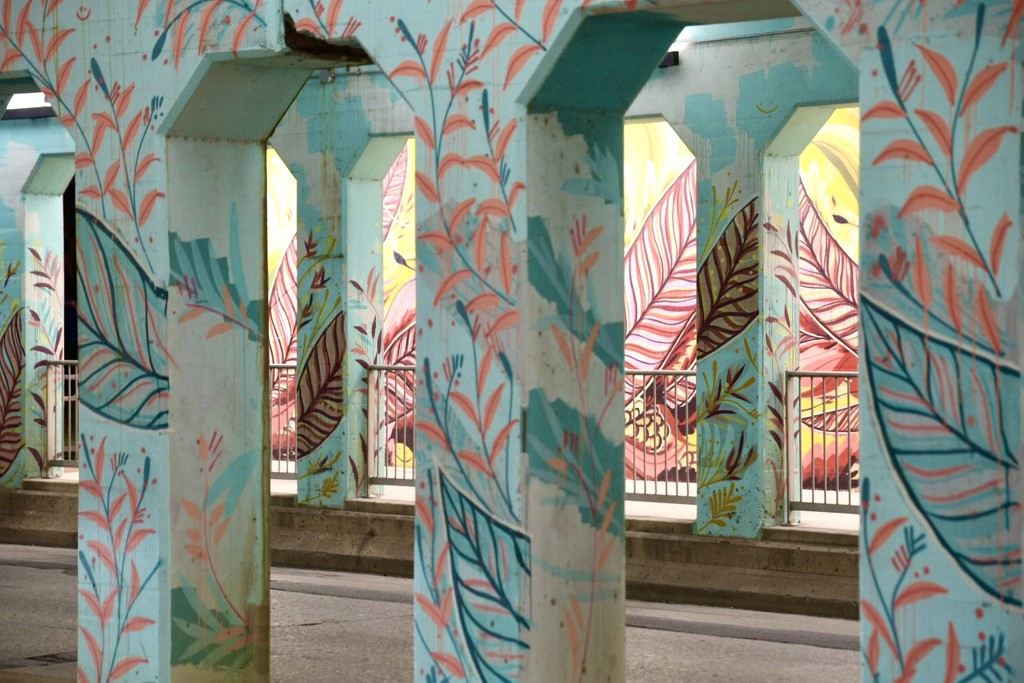 Color and Columns  by johnnychops