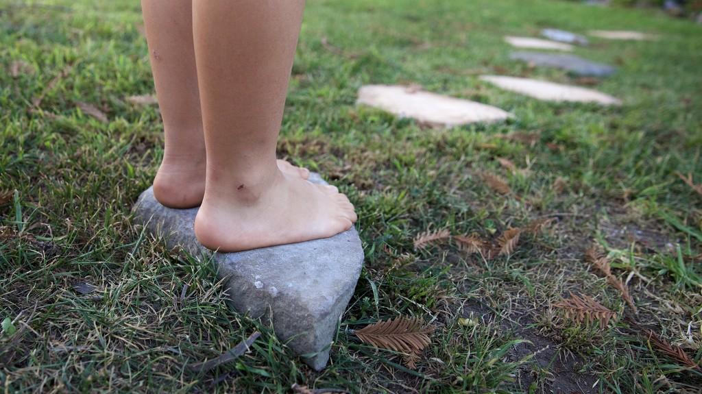 Feet by gapandgain