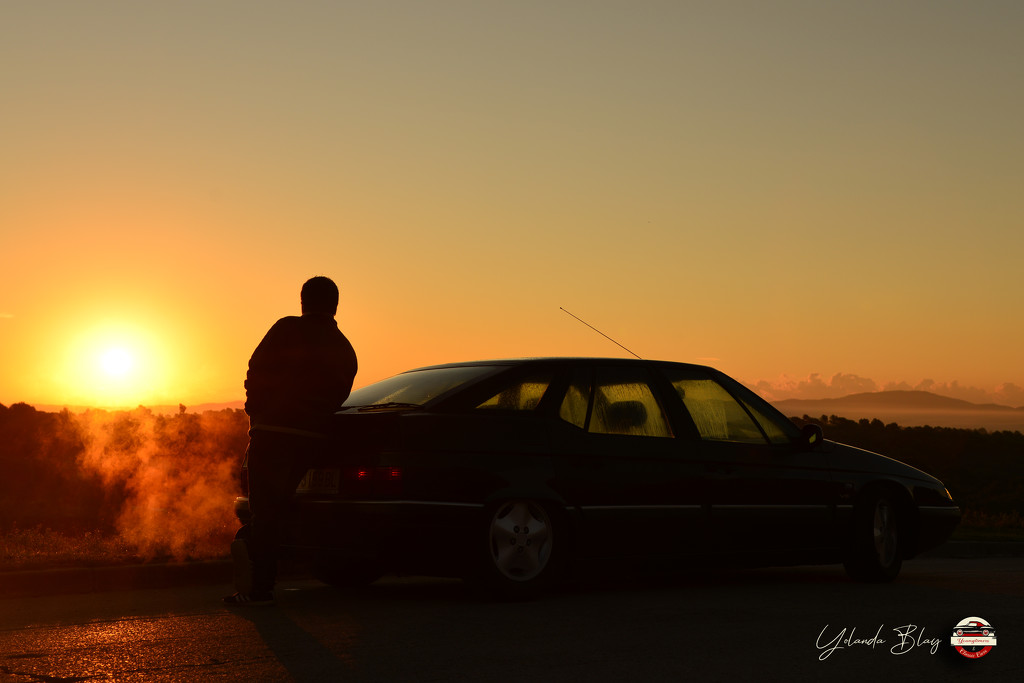 Sunrise and our Citroën XM by yolanda