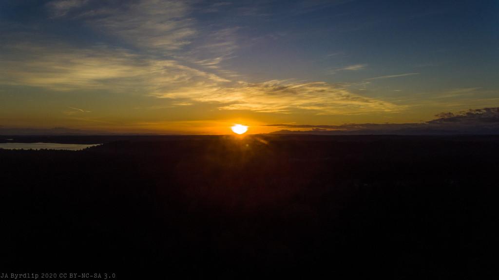 Sun Touches Horizon by byrdlip