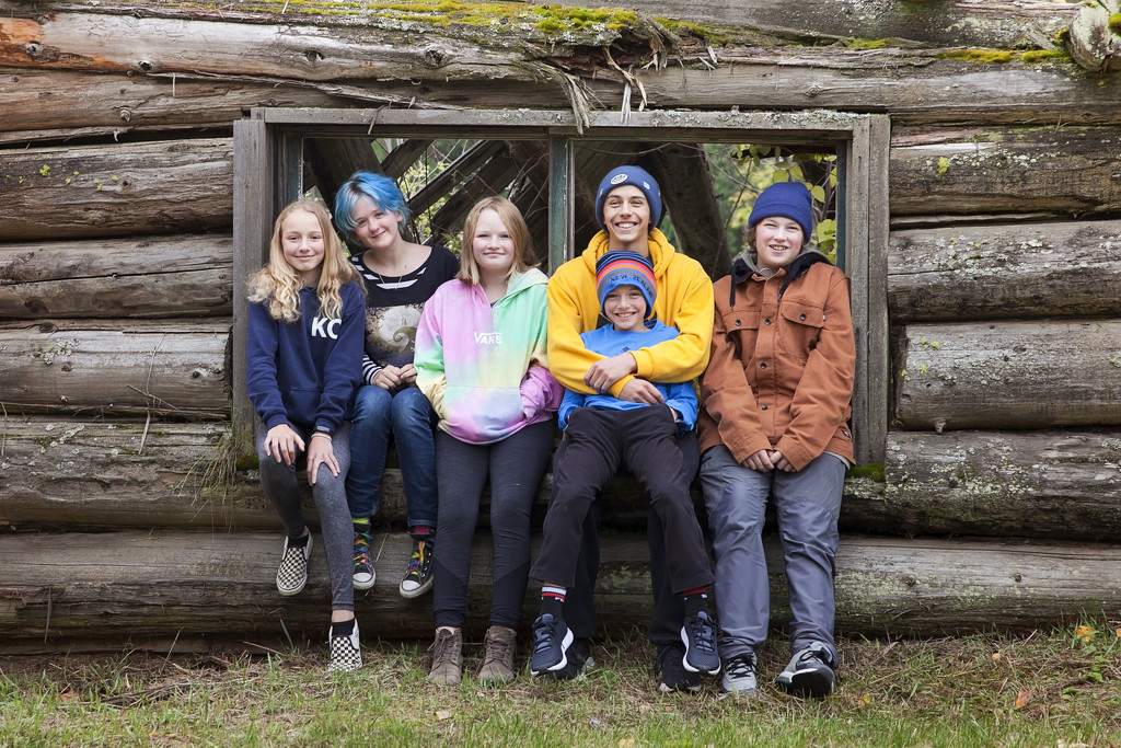 The yearly cabin photo by kiwichick