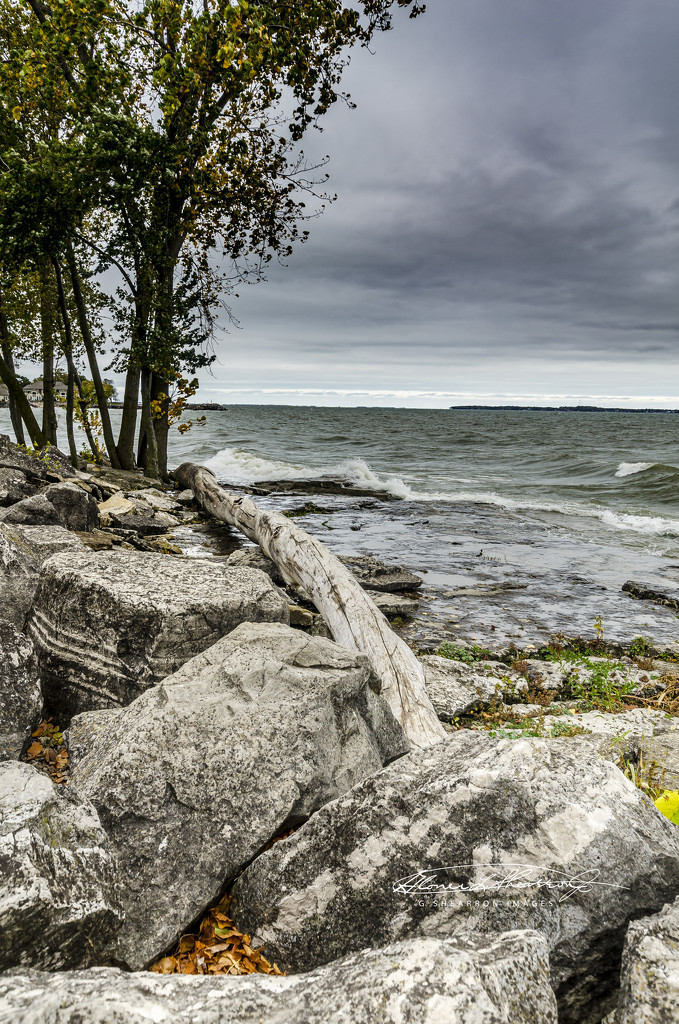 Leading Line to Lake Erie by ggshearron