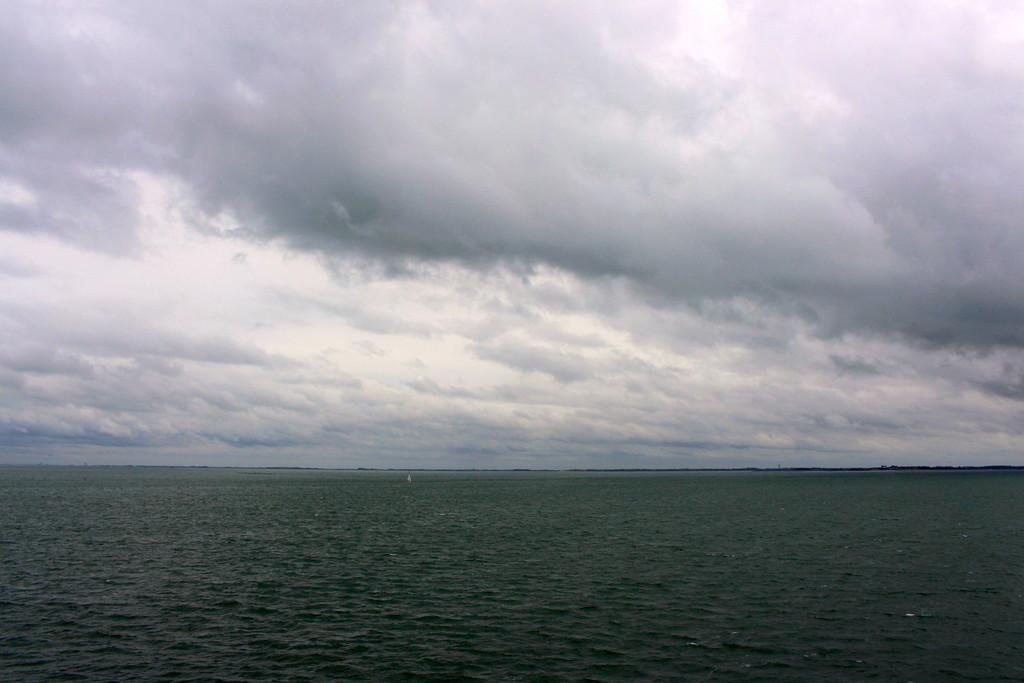 Still sailing on. by pyrrhula