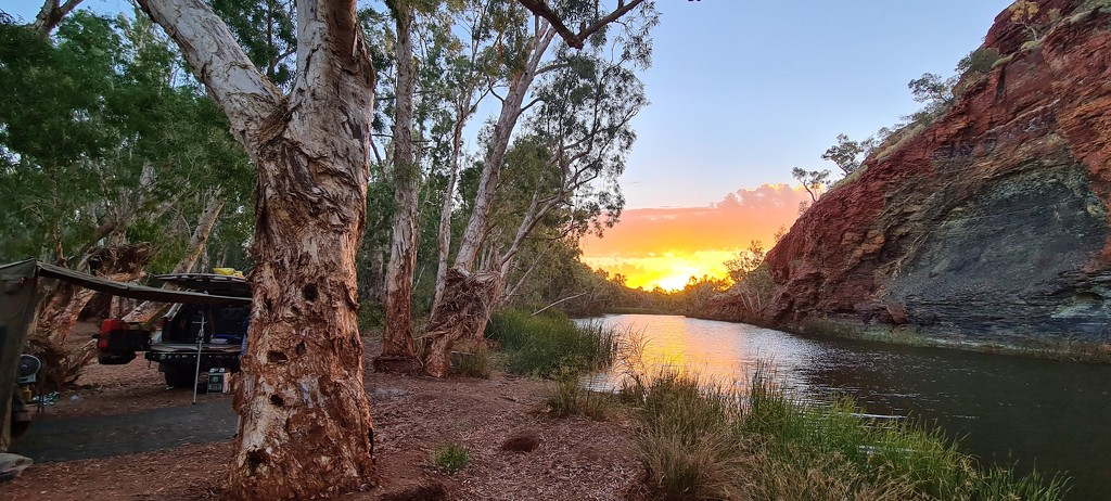 Sunset at Gregorys Gorge by leestevo