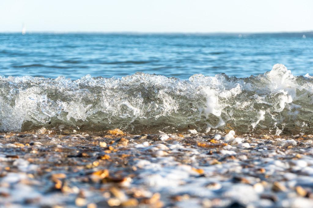 Wave by humphreyhippo