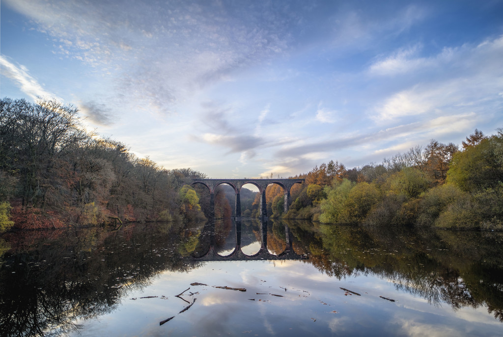 Armsgrove Viaduct. by gamelee