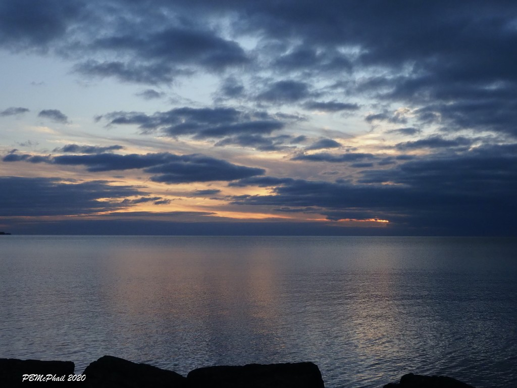 Sun Behind the Clouds by selkie