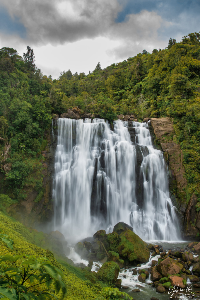 Marakopa Falls by yorkshirekiwi