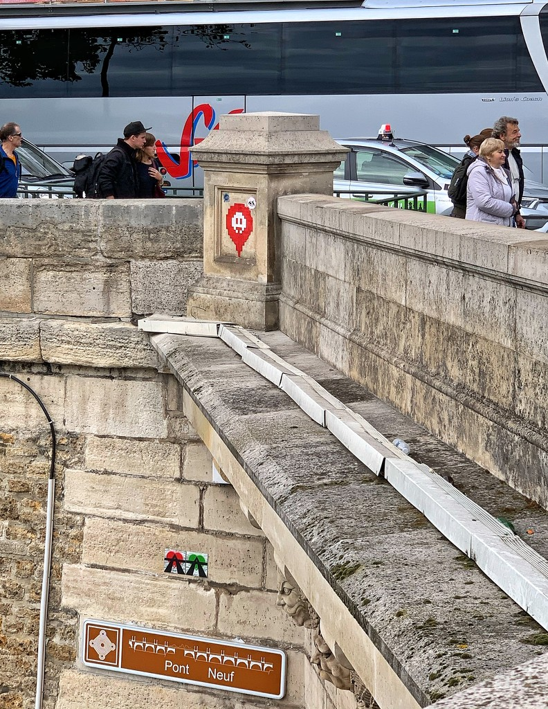 Two tiny red and green hearts under the Pont Neuf.  by cocobella