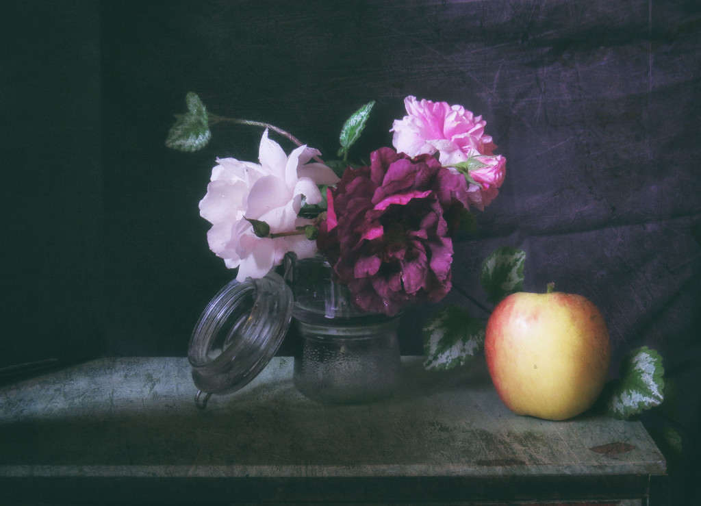 Roses and Apple  by kali66