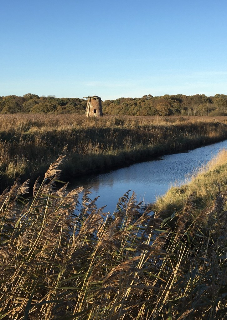 Old Mill at Walberswick  by helly31