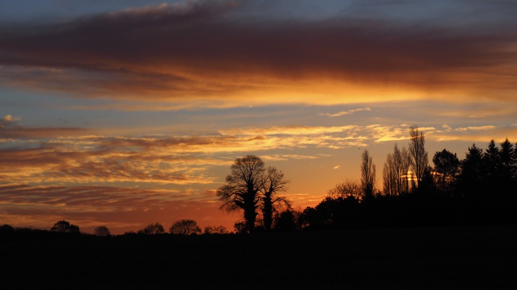 Sunrise over Vignouse by s4sayer