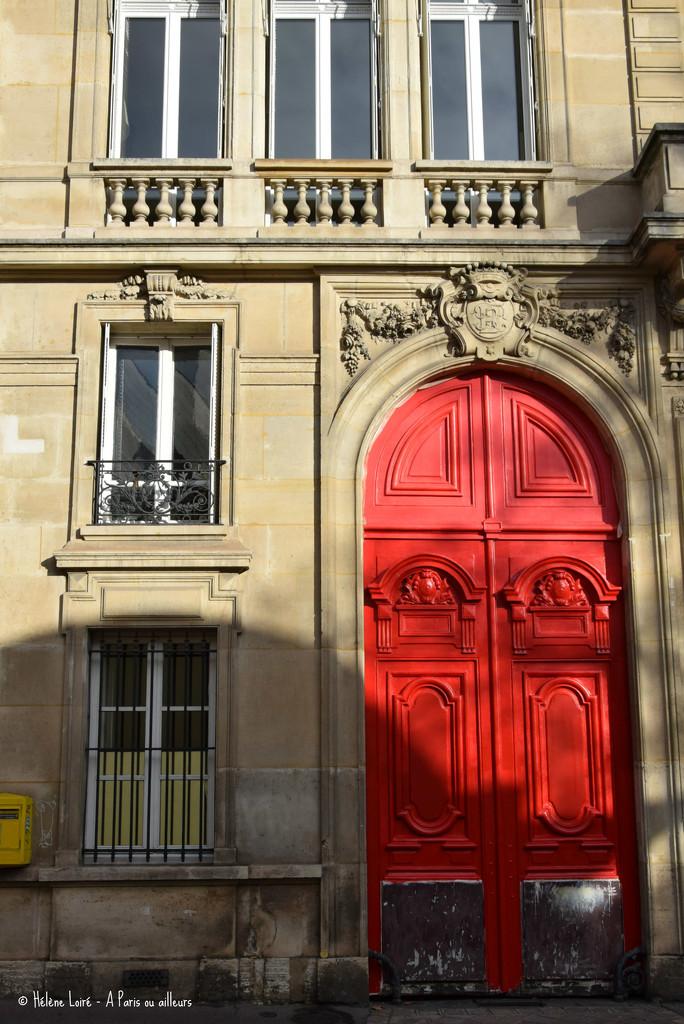 red door by parisouailleurs