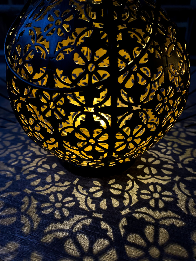 Lantern by pamknowler