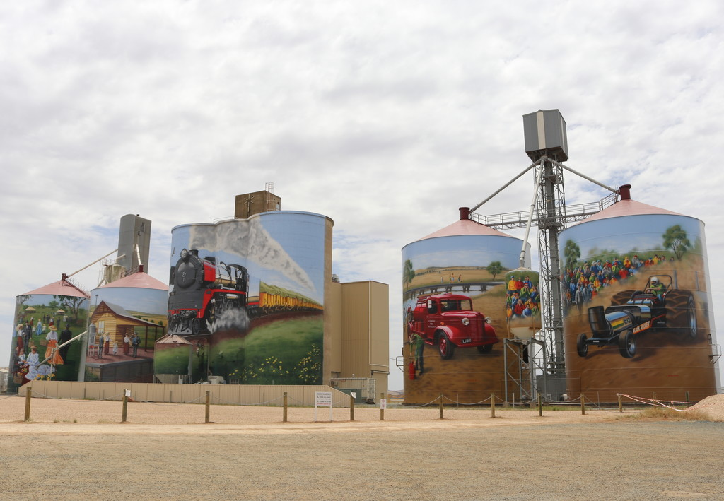 Colbinabin painted silos by gilbertwood