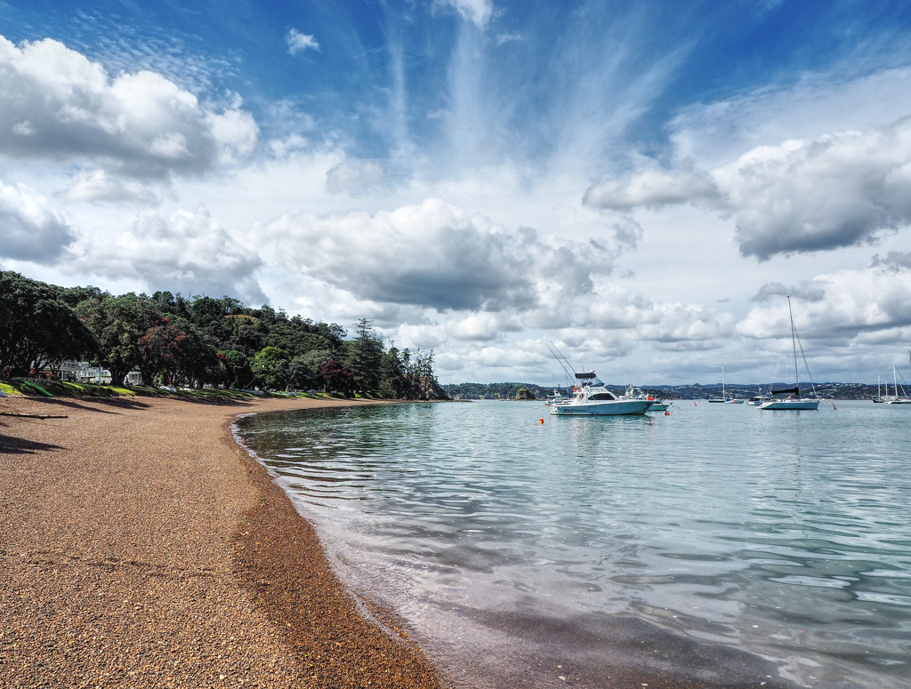 bay of islands by graemestevens