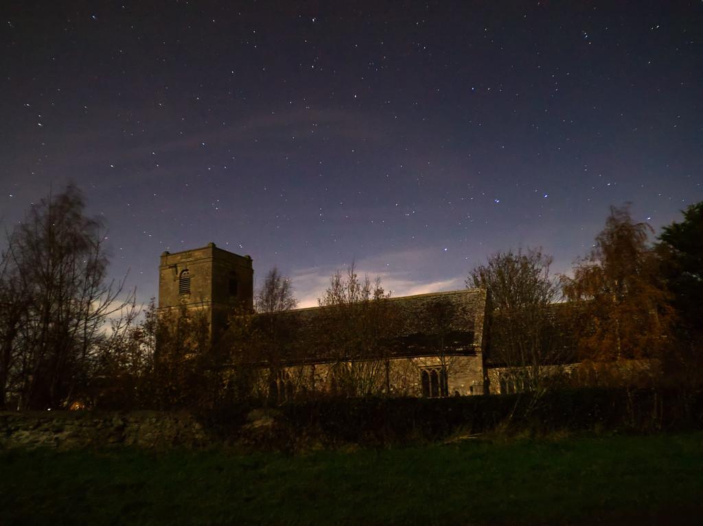 St Mary's by moonlight by jon_lip
