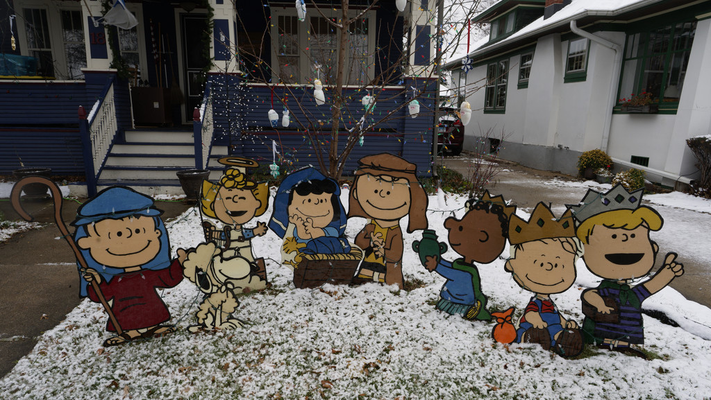 charlie brown crèche by rminer