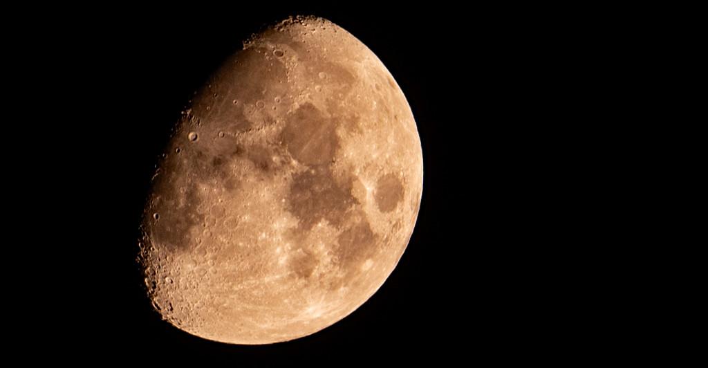 Moon Shot! by rickster549