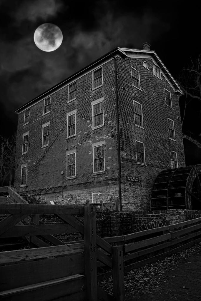 Graue Mill At Night by randy23