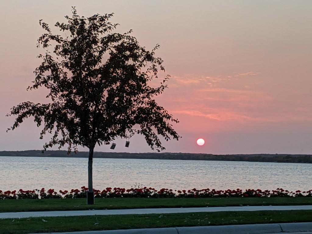Sunset by prairiesmoke