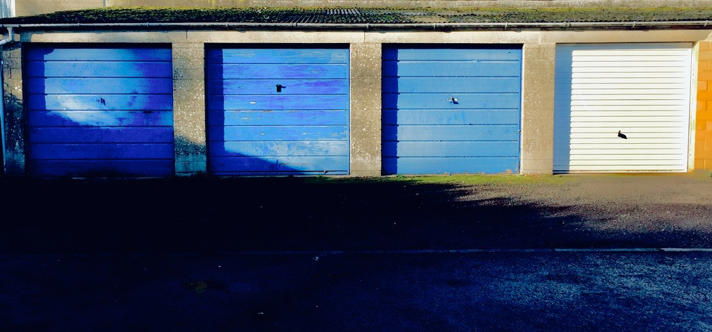 Blue garages  by lilaclisa