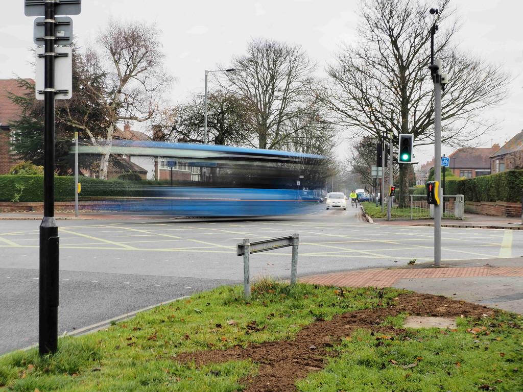 Blue bendy bus  by jesika2