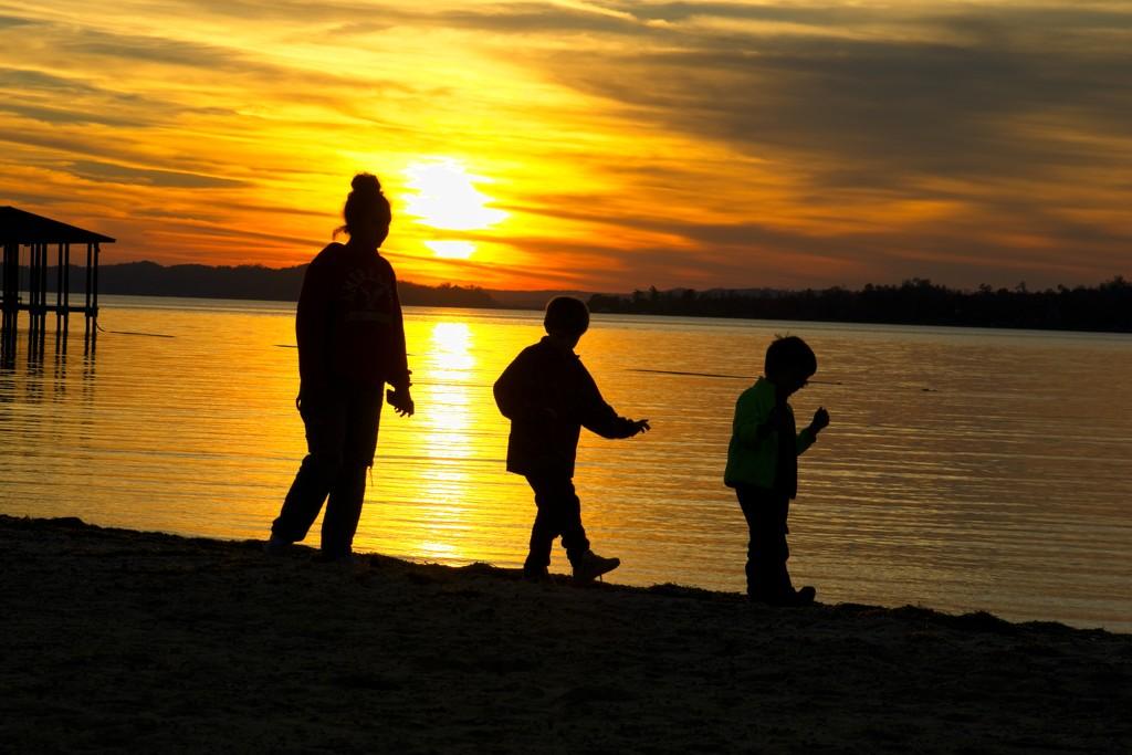 LHG-5216- 3 lil munchkins at sunset by rontu