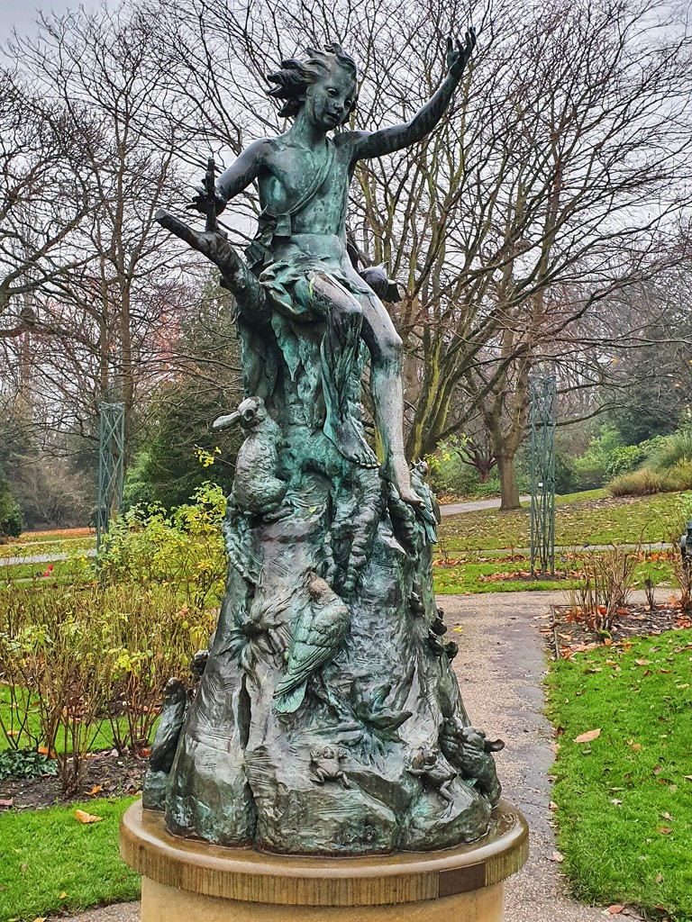 Botanical gardens statue by isaacsnek