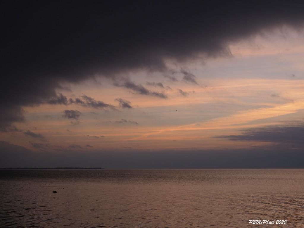 No Sun Sunrise by selkie