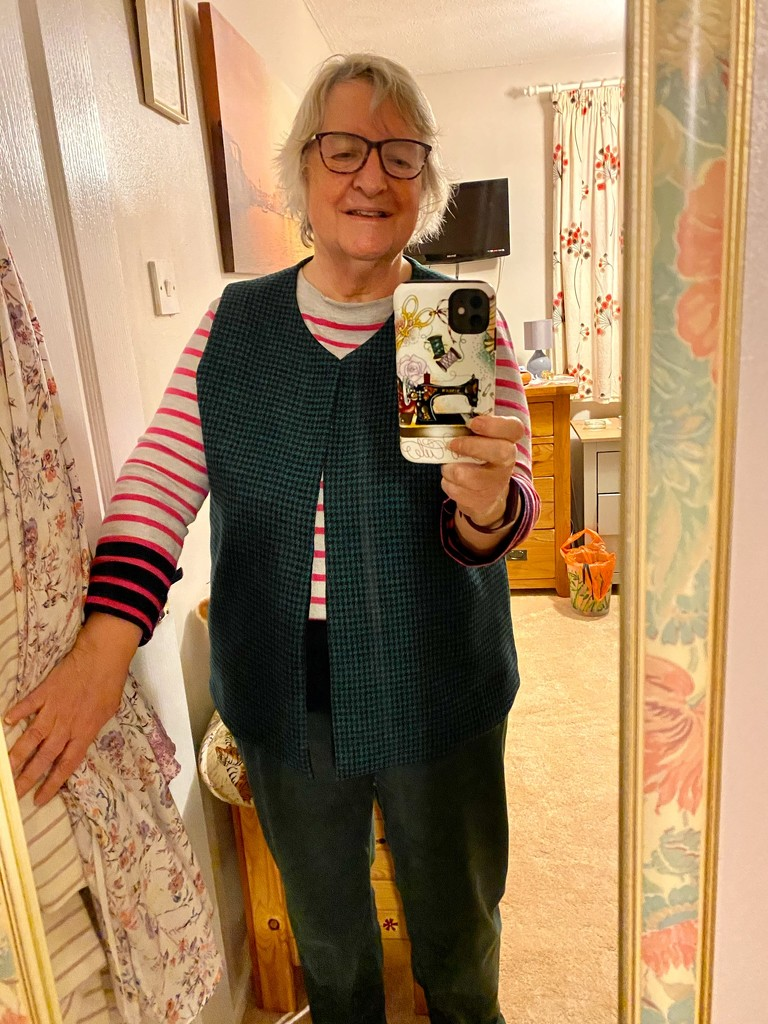 A Sewing Selfie by gillian1912