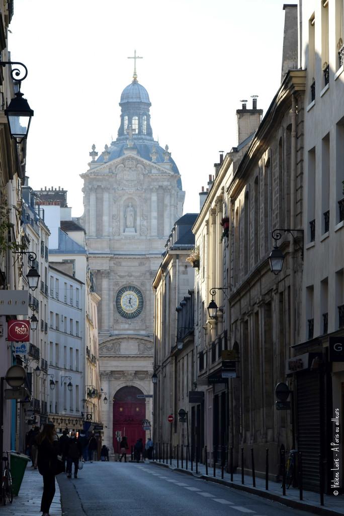 rue de Sevigné by parisouailleurs