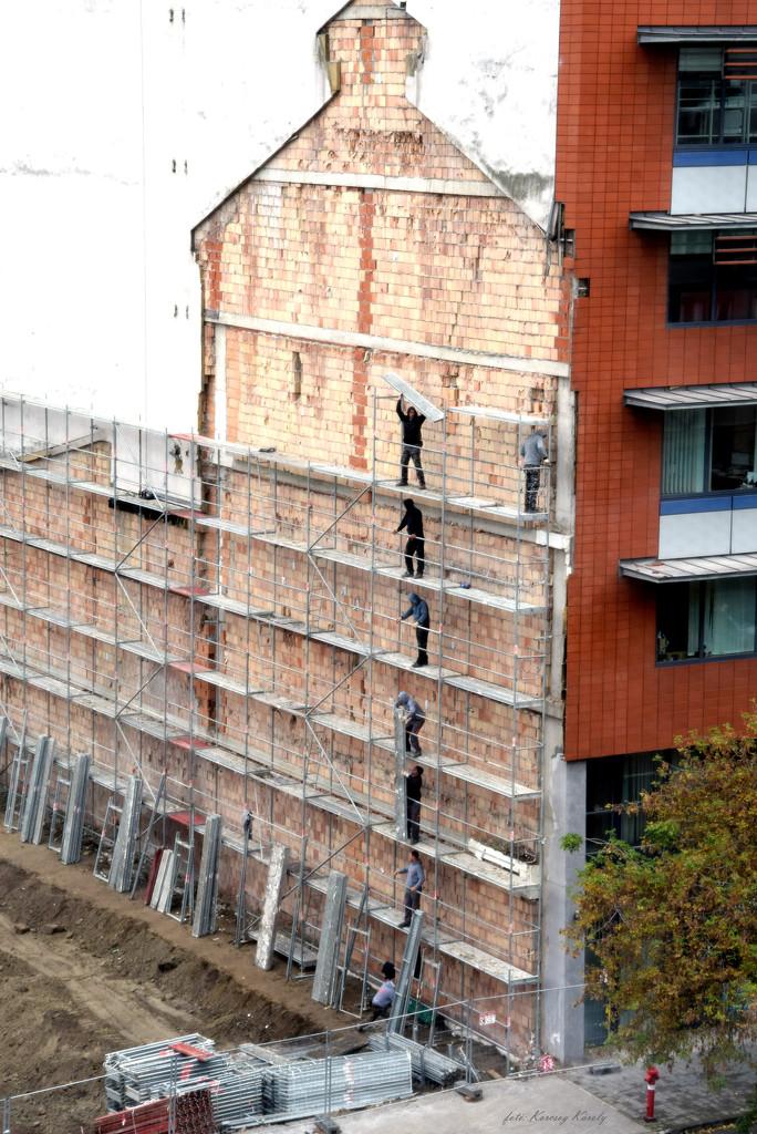 Scaffold builders..... by kork