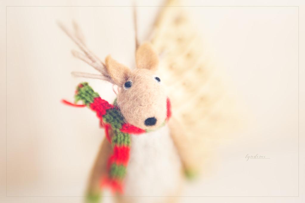 Reindeer Friend by lyndemc