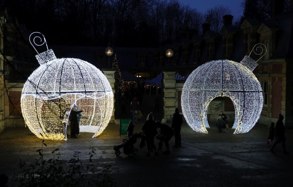 Bauble Bubbles - Waddesdon Manor by netkonnexion