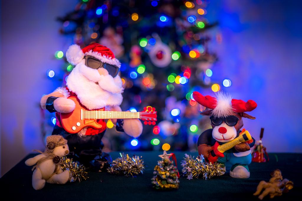 Rockin' Around The Christmas Tree.   by cdcook48