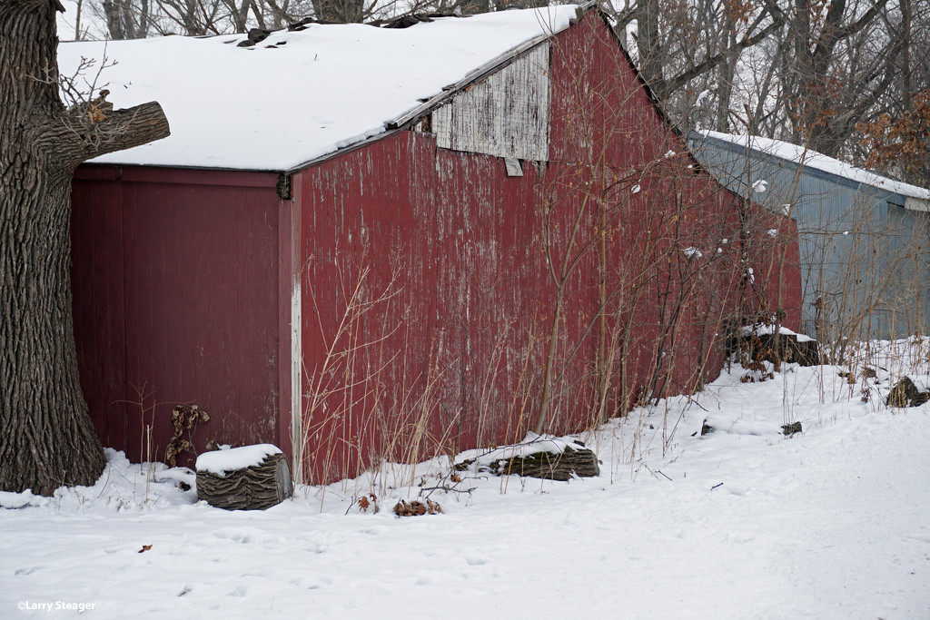 Red Barn with snow by larrysphotos