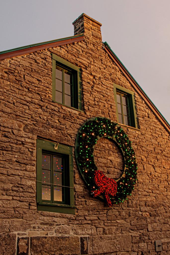 December Word - Wreath by farmreporter